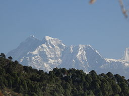 Gaurishankar Mountain (via Wikimedia Commons)