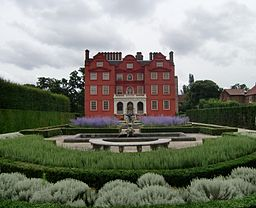 256px-Kew_Palace_-_Queen's_Garden