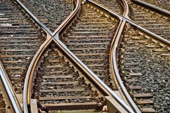 rails-3309912_640