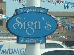 Professional-Sign-making-company-incorrectly-using-an-apostrophe